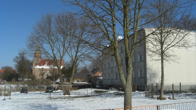 """Kirche und """"Neubau"""""""